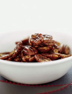 Spicy toasted pecans with tabasco & worcestershire.  A recipe from Gourmet magazine, on Epicurious.          Spicy Toasted Pecans Recipe  at Epicurious.com Glazed Pecans, Roasted Pecans, Candied Pecans, Almonds, Pecan Recipes, Spicy Recipes, Low Carb Recipes, Appetizer Recipes, Spicy Pecans Recipe