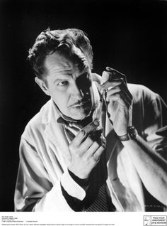 """[CAST] Vincent Price (1911-1993) as Dr. Warren Chapin in """"The Tingler"""" (1959, age 48)"""