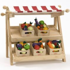 Farmers Market Toy: Change fabric to match room, chalkboard paint & different baskets (grey or white wicker perhaps with tiny frames painted w/chalkboard paint, labelled in chalk & glued, white wash wood) Toys Market, Play Market, Best Doll House, Play Food Set, Fruit Shop, Market Displays, Market Stalls, Wood Toys, Toys Shop