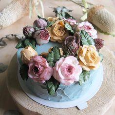 いいね!153件、コメント15件 ― ♡fujikko♡voilier♡さん(@voilier_f)のInstagramアカウント: 「さっきのジェノワーズは、2台使って、こんな感じに仕上げました😊 とーーーっても背高ノッポなケーキですが、これだと分からないですね。 また、明日写真撮りなおそう!…」