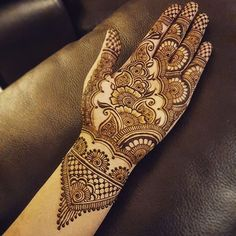 Bridal henna inspired by @hennabydivya