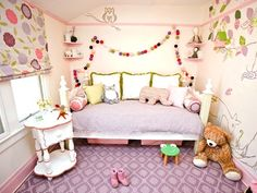 A big-girl enchanted forest pulls inspiration from classic European fairy tales. Woodland Theme Bedroom, Enchanted Forest Bedroom, Forest Room, Forest Girl, Girls Bedroom, Bedrooms, Childrens Bedroom, King Design, Princess Room
