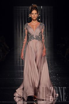 Abed Mahfouz - Alta moda - Autunno-Inverno 2011-2012 - http://it.flip-zone.com/fashion/couture-1/independant-designers/abed-mahfouz
