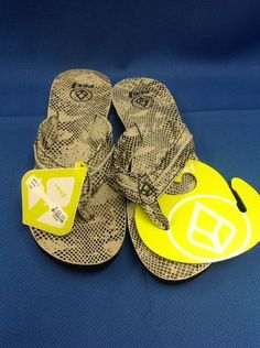 Reef Women's Flip Flops Sandals NWT Tan  Black Size 9 Swing 1705 #Reef #FlipFlops