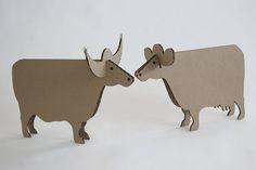 Makers Corner Ideas Cardboard Animals, Cardboard Box Crafts, Cardboard Toys, Paper Toys, Fun Crafts, Crafts For Kids, Arts And Crafts, Paper Crafts, Table Origami