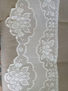 Fillet Crochet, Manta Crochet, Decorative Pillows, Crochet Patterns, Pretty, Crafts, Ireland Fashion, Crochet Lace Edging, Tricot Crochet