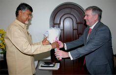 Chandrababu meets Coca Cola VP http://goo.gl/ZwBtZb http://www.thehansindia.com/posts/index/2014-08-11/Chandrababu-meets-Coca-Cola-VP-104668
