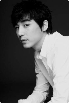 # Jin YI Han VOTE for Jin Yi Han http://votingstation.net/index.php?lang=en&region=&country=KR&gender=ma&occupation=ac&tag=&page=4&global=#_=_