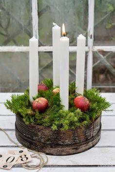 Use tall, slender candles & explore your local antique stores to create your Advent wreath. Nordic Christmas, Noel Christmas, Christmas Candles, Green Christmas, Country Christmas, Winter Christmas, Christmas Wreaths, Christmas Crafts, Advent Wreaths