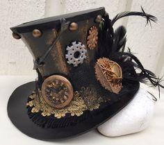 Steampunk Mini Top Hat Polymer Clay Details by NadiaLaukkanen Foam Crafts, Craft Foam, Steampunk Festival, Bjd, Gold Bullion, Color Calibration, Steampunk Necklace, Headdress, Polymer Clay
