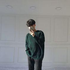 Korean Fashion Trends you can Steal – Designer Fashion Tips Ullzang Boys, Hot Boys, Asian Boys, Asian Men, Ulzzang, Korean People, Perfect Boyfriend, Stylish Boys, Korean Fashion Trends