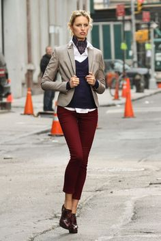 mulheres de gravata (women tie) on Pinterest | Menswear, Ties and Neck ...