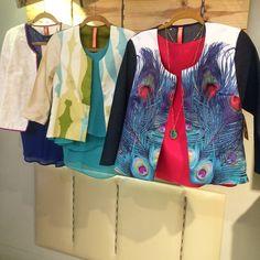 Chaquetas #DemasiadoBazar diseño venezolano    Lasmercedes@disenomm.com  Pronto nos mudamos al Centro San Ignacio - Caracas y gran apertura en Lechería Edo. Anzoátegui.   #moda #mm #fashion #trendy #venezuela #venezolana #pinterest #instagood #carteras #blusas #diseño #diseñovenezolano #buenvestir #camisa #pants #accesorios #zarcillos #collares #pulseras #jewelry #good #demoda #cool