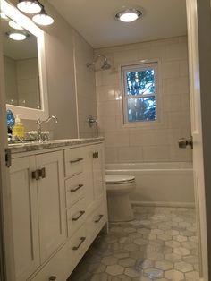 Bathroom tile - Hampton Carrara Hex Marble Mosaic Tile - 5 x 5 in.