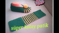 Karpuz dilimi bayan patik modeli en kolay patik modelleri serimize devam ediyoru… Watermelon slice female booties model booties are the most easy to use. If you are looking for new models, our watermelon sliced female booties will be on your feet. Gestrickte Booties, Knitted Booties, Crochet Boots, Crochet Gloves, Knitted Slippers, Knit Crochet, Loom Knitting, Knitting Patterns Free, Free Knitting