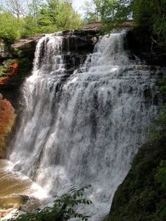 AWESOME!!!    Brandywine Falls in Ohio