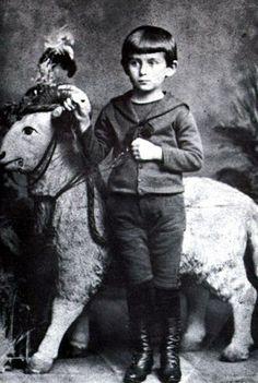 Franz Kafka já foi neném.