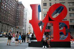 Ignacio Lehmann, fotógrafo argentino, viajó a NYC y se propuso retratar personas besándose como símbolo pacifista. Foto:/facebook.com/NewYorkPeople