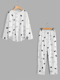 fb6893abe7 Material: Cotton Color: White Pattern Type: Animal Neckline: Round Neck  Style: Casual Type: Pajama Sets Sleeve Length: Long Sleeve Fabric: Fabric  has some ...