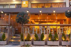 sea bar Cinema, Sea, Mansions, House Styles, Food, Home Decor, Movies, Decoration Home, Manor Houses