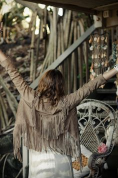 Cowgirl Dreams Tassel Jacket – Dusty Taupe Suede « Spell & the Gypsy Collective. Hippie Chic, Bohemian Style, Boho Chic, Bohemian Fashion, Fringe Fashion, Love Fashion, Surf Fashion, Fringe Leather Jacket, Leather Tassel