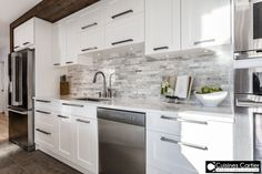 How to Design A Custom Closet? White Kitchen Cabinets, Open Kitchen, Kitchen Tiles, Kitchen Dining, Kitchen Decor, Small Kitchen Renovations, Kitchen Remodel, Cocinas Kitchen, Kitchen Handles