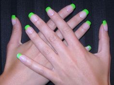 I love the green on these nails