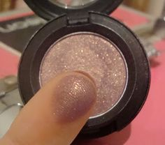 I got a new eye shadow from MAC on the weekend - Trax! This shadow has been on my wish list for a while. MAC Trax eyeshadow is a burgundy plum with gold shimmer (Velvet). So pretty! I created my…