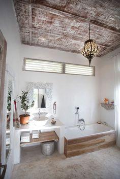 Reader's home - Ely's light-filled villa inBali - desire to inspire - desiretoinspire.net//Repinned via Decorget