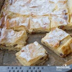 Placinta cu branza dulce si stafide / Cottage cheese raisin pie - Madeline's Cuisine