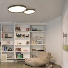Beeindruckend flache Deckenleuchte im puristischen Design. Das Lichtbild ist perfekt homogen und erinnert an eine Deckenöffnung. Vibia | Deckenlampe | flach | puristisch | LED-Technik | Innenleuchte | Innenraum | Wohnzimmer | Schlafzimmer #vibia #deckenleuchte #design #up #wohnakzente #licht #frankeleuchten #unsereideenleuchten Lounge Lighting, Home Lighting Design, Interior Lighting, Style At Home, Home Ceiling, Ceiling Lights, Home And Deco, Modern Bedroom, Home Fashion