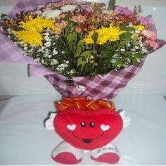 Buquê Flores do Campo e Coração de Pelúcia