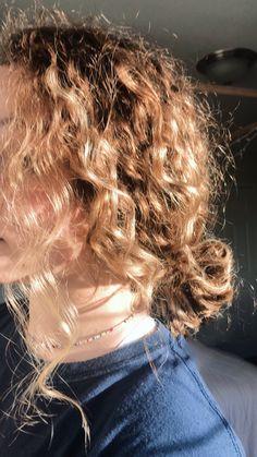 No Heat Hairstyles, Everyday Hairstyles, Cool Hairstyles, Hair Inspo, Hair Inspiration, Milkshake Hair Products, Waist Length Hair, Hair Arrange, Aesthetic Hair