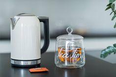 Najmilsza chwila poranka? ulubiona herbata a najlepiej cały dzbanek. Do aranżacji użyto dzbanka z kolekcji Signature i czajnik elektryczny KitchenAid http://homeandfood.eu/