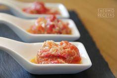 Ensalada de pimientos asados y atún con aliño de cominos - http://www.thermorecetas.com/ensalada-pimientos-asados-atun-alino-cominos/