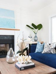 My  love affair with shiplap is still going strong thanks to a gorgeous West Coast number that puts a fresh modern twist on the idea of farmhouse. Masterminded by Blackband Design, this bright white space is grounded by simple barn style black lighting and pops of indigo throughout. And if the shiplap doesn't get you then the […]