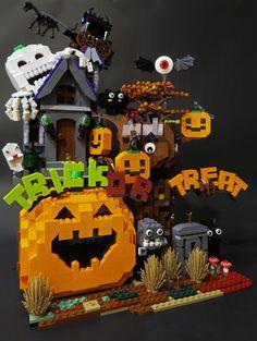 LEGO Halloween | Le Gao Dai | Flickr Lego Halloween, Halloween Crafts, Halloween Peeps, All Lego, Lego For Kids, Lego Haunted House, Lego Super Mario, Lego Sculptures, Lego Club