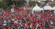 Veja imagens do Acampamento Lula Livre na manhã deste 1º de Maio em Curitiba