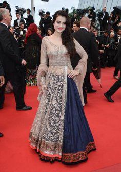 Cannes Day The Roitfelds Arrive! Plus Alessandra Ambrosio, Toni Garrn, and… Sabyasachi Gown, Lehenga Anarkali, Pakistani Dresses, Indian Dresses, Indian Outfits, Jacket Lehenga, Pakistani Bridal, Mode Bollywood, Bollywood Fashion