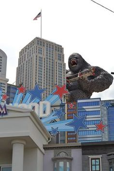 Hollywood Wax Museum in Pigeon Forge lets you pose for photos with sculpted replicas of film stars