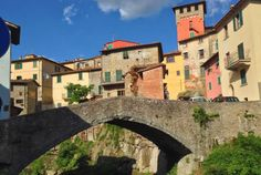 Loro Ciuffenna - medieval town in the province of Arezzo, Tuscany, Italy. Watch > http://www.miraedestino.com/video.cfm?id=55&pinterest