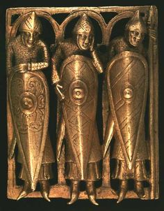 Bronze Age Armor - Norman mount with knights Gilt bronze casket showing a kite shield (c. Inspiration for Snow in July by Kim Iverson Headlee 2014 Medieval World, Medieval Art, Norman Knight, Shield Design, Templer, Effigy, Anglo Saxon, 12th Century, Bronze Age