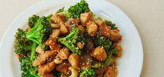 ¿Creías que hacer platos con un toque oriental era dificil o requerían ingredientes raros? Con esta receta de brócoli con pollo y salsa de soja te demostramos que no.Te contamos cómo preparar un plato sorprendente en muy poco tiempo y con muy pocos ingredientes. ¡Nos vemos dentro!