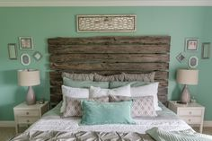 Not sure about the driftwood headboard though… The post Mint bedroom, love love love! Not sure about the driftwood headboard though…… appeared . Bedroom Green, Bedroom Colors, Bedroom Black, Mint Bedroom Decor, Bedroom Small, Small Rooms, Kids Bedroom, Charcoal Bedroom, Bedroom Décor