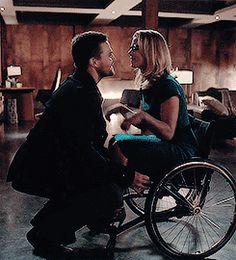 Pure cuteness   Oliver & Felicity #Olicity #Arrow 4x13