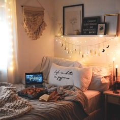 Cute and quirky bedroom decor ideas for university, from wall stickers to wash tape and command strips, to throw and cushion ideas. Uni Bedroom, Quirky Bedroom, Romantic Bedroom Decor, Cute Bedroom Ideas, Cute Room Decor, Room Ideas Bedroom, Couple Bedroom, Small Room Bedroom, Small Rooms