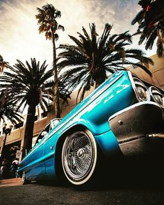 Trendy old cars photography sweets ideas Chevrolet Impala, Chevy Impala, Cholo Art, Chicano Art, Chien Golden Retriver, Arte Lowrider, Lowrider Trucks, Sweet Cars, Us Cars