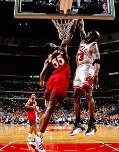 Michael Jordan over Mutumbo