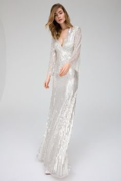 Jenny Packham Pre-Fall 2019 Fashion Show Collection: See the complete Jenny Packham Pre-Fall 2019 collection. Look 6 Jenny Packham, Best Of Fashion Week, Fall Fashion, Classy Fashion, Fashion Weeks, Dress Fashion, Embellished Gown, Glitz And Glam, Designer Gowns