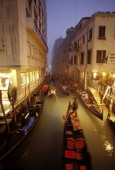 Getting dark and still nowhere to park a boat in Venice, Italy #monogramsvacation